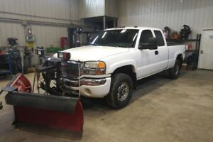 2005 GMC Sierra Duramax 2500HD with Western V Plow