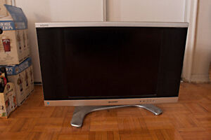 """20"""" TV Sharp Aquos   Works perfectly. Barely Used"""