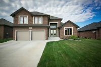 BEAUTIFUL LUXURY LAKESHORE RANCH + BONUS ROOM!
