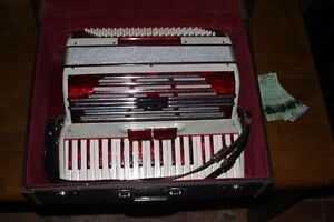 Vintage 120 Bass Kentone accordion Made in Italy