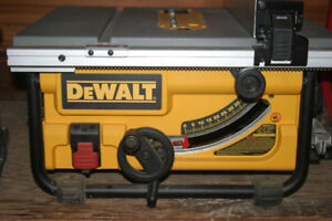 DEWALT 15 amp 10-inch Corded Compact Job Site Table Saw