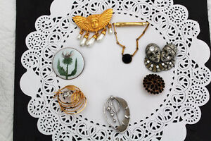 Lot de broches-epingle/brooches Price Drop