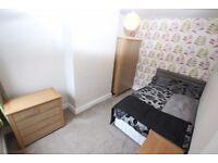 1 bedroom in Curzon Street - Room 3, Reading, RG30