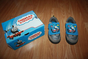 size 8 toddler Thomas and Friends sneakers