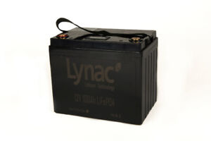 12V 100Ah LiFePO4 Smart Lithium Deep Cycle Battery with LCD