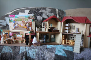 Calico Critter Beechwood Hall and Supermarket Sets w Accessories