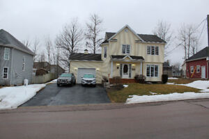 Immaculate Two Storey With Garage and Great Curb Appeal