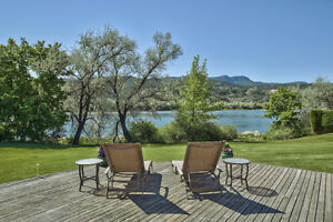 Beautiful South Thompson Waterfront Home