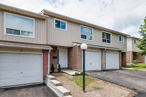 Updated Townhouse in Waterloo!