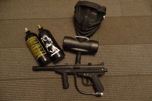 Paintball Gun, face protector and 2 canisters & 50paintballs!