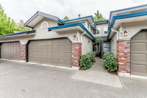 ~*~ 3 Bdrm Townhome in East Abby Complex ~*~