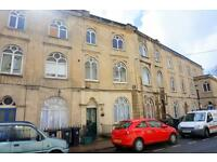4 bedroom flat in Dover Place, Clifton Village, BS8 1AL