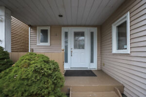 SPACIOUS 6 BEDROOM HOME NEARBY BROCK AND ALL AMENITIES