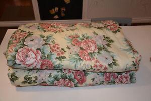 Couette ( remplissage polyester pour lit double)