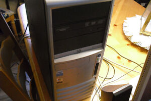 HP Compaq Computer Tower and Accessories