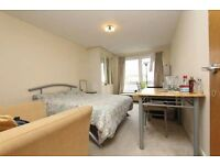 BIG MODERN EN-SUITE SUITABLE FOR COUPLE AS WELL IN EAST INDIA