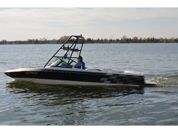 Used 2000 Centurion Air Warrior Ski/Wakeboard Boat