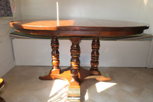 Pine Table with 2 leaves