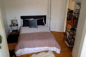 Mile-End chambre à louer / room for rent MAY 1st