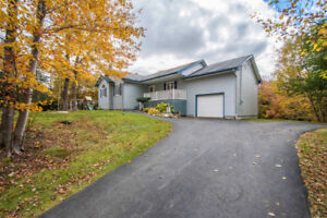 Open-concept 3 bed bungalow,  amenities close by in Tantallon