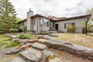 Beautifully Updated Bungalow!