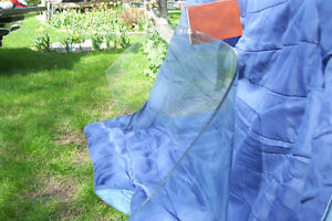LATE 1950S FORD CAR WINDSHIELD CLEAR WITH SLIGHT TINT London Ontario image 7