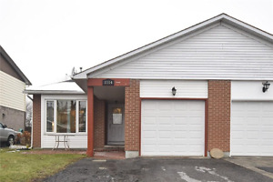 Semi-detached House for Sale in Orleans