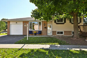 Detached on Pool-Sized Lot in Mature Area of Oakville!