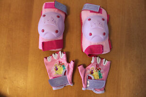 New- Princess elbow pads and gloves- West ens