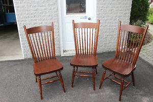 1 BEAUTIFUL WOOD CHAIRS. EXCELLENT CONDITION!! Gatineau Ottawa / Gatineau Area image 3