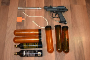 Paintball gun + accessories CO2 container barrel cleaner