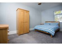 DOUBLE ROOM TO RENT, PROFESSIONAL HOUSE SHARE, NEWLY RENOVATED, ALL BILLS INC,WIFI,CLEANER,NO DEP