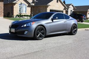 2011 Hyundai Genesis Coupe 2.0t Coupe (2 door)