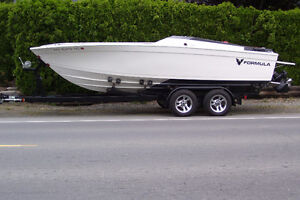 22' Formula Offshore Speed Boat - $7999 (Yarrow)