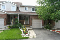 Lovely 3 bedroom condo townhouse w/ low fees!