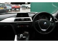 "2014 BMW 3 Series 320i SE 4dr [Business Media] [17"" alloys, Split folding s"