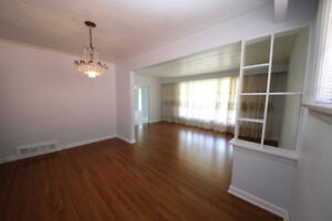 MAIN LEVEL 3-BR house rental -Prefer long term, family of 3-4