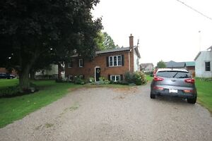 COUNTRY 5 min from Listowel  OPEN HOUSE SAT, OCT 8 2 - 4