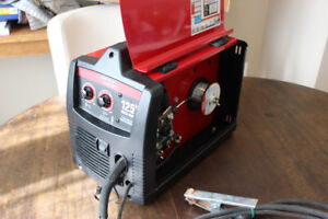 Lincoln Electric 125HD Weld-Pak gas-less flux-core welder