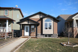 85 Valley Crescent, Blackfalds real estate