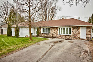 Demand Bungalow On The Edge Of Stouffville. Serenity At Its Best