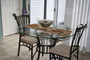 Dining glass table with 2 chairs
