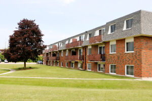 !!! WOW 141 Linnwood Ave (2 Bedroom Apartment)
