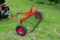 Pull Behind Rake for Garden Tractor   WANT TO BUY.