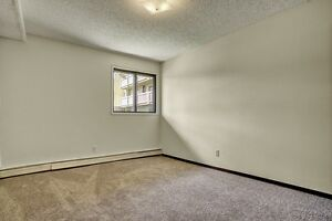 Only $949 for this Beautiful 2 Bdrm - East Side - Pet Friendly