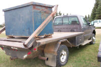 **DEAL PENDING**2002 Ford F350 with Hydradeck and Bins