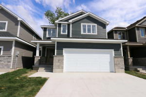 5 BEDROOM HOUSE in grand bend