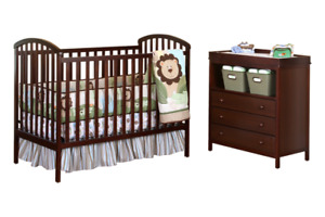 Crib and dresser/changing table combo