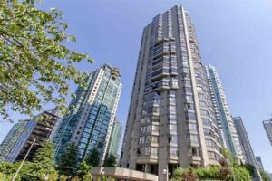2 Bedroom/2 Baths and Den for Rent downtown Vancouver
