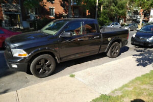 Dodge RAM 1500, black on black !